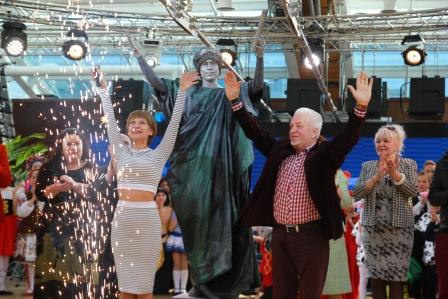 Живые скульптуры на открытии фестиваля. Дюк Ришелье
